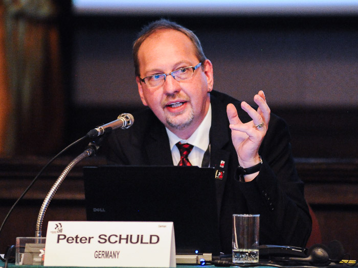 World Conference Sets Course For Industriall Materials