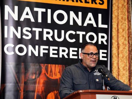Mark Wertz, BNAP NC, da la bienvenida a los instructores de la inaugural Conferencia Nacional de Instructores.