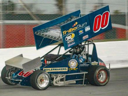Los Boilermakers están patrocinando el equipo de Daniel Miller, que incluye al nuevo Boilermaker de Cemex, Florida, Dave Tompkins. El grupo compite en las carreras de asfalto Southern Sprint Car Shootout en Florida.