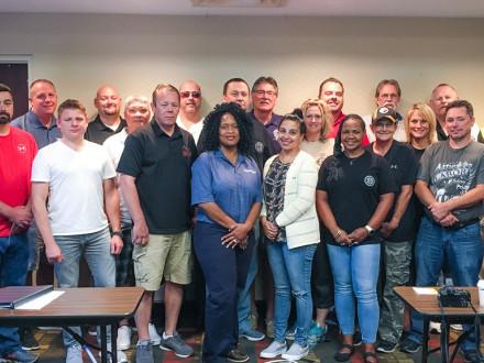 El personal del sindicato Internacional y los voluntarios del L-S234 participan en una campaña de organización interna para los trabajadores de Tennsco.