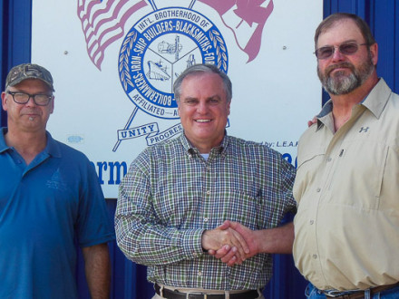 L-69 LEAP committee chairman Richard Rowley, left, and L-69 BM-ST Rodney Allison, right, meet with U.S. Sen. Mark Pryor.