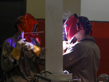 L-5, Z-7's Jacob Weber and partner Zane Martin, L-29, both from the Northeast, work on the buddy weld exercise. The test requires contestants to cut out a section of a bad tube and replace it with a new one.