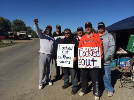 Locked out L-1626 Boilermakers picket Clifford-Jacobs Forging near Champaign, Ill. Photo by pdamerica/flickr