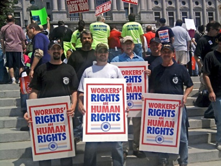 Local 1393 members rally for workers' rights