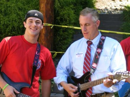 Rep. Tim Murphy (R-PA. 18th), right, joins Keith Quinn, son of L-154 Sec.-Treas. Dan Quinn, in a Steve Miller number.