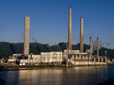 Located in Stratton, Ohio, the site for the W.H. Sammis Power Plant covers 187 acres along the Ohio River between East Liverpool and Steubenville. Photo used with permission of FirstEnergy.