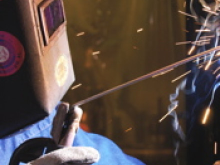 The shorter length of the new Boilermaker 8018 B2 welding rod lets a welder work in tight spots with less rod waste.
