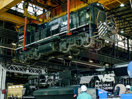Altoona, PA: Rebuilding Locomotives