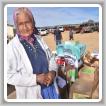 Cada primavera y otoño Adopt-A-Native-Elder ofrece cajas de alimentos, ropa y medicamentos simples a muchas áreas diferentes de la reserva Navajo.