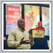 Jerry Payton, gerente principal de programa de TVA para Relaciones Industriales, habla sobre el Código Boilermaker durante una presentación por parte de Skipper Branscum, administrador nacional de MOST (al fondo).