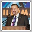 El vicepresidente internacional de los Estados Occidentales J. Tom Baca da la bienvenida a los participantes de la Conferencia Tripartita de la Refinería de California 2019 en Napa.