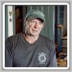 Wilson Mull, un miembro retirado de L-29 (Boston), aparece en American Pickers del History Channel e intercambia algunos de sus viejos letreros y estufas antiguas de su extensa colección.